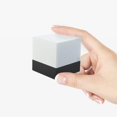 Shots_Square_cube_hand